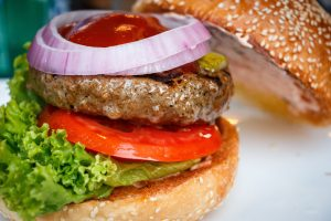 How to make a simple beef burger