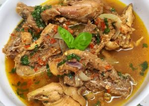 HOW TO: MAKE DIY CHICKEN PEPPER SOUP