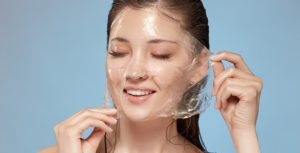How to make a DIY peel-off face mask at home