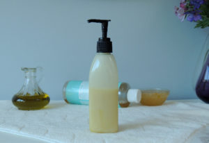 How to make an oil-free facial cleanser at home
