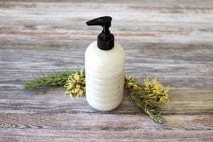 How to make a DIY moisturizing shampoo at home