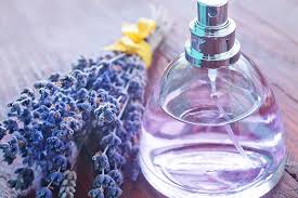 How to make a hydrating DIY hair mist at home