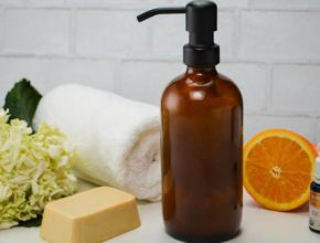 How to make DIY oil body liquid wash at home