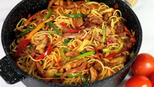 How to Make Chicken Stir Fry Spaghetti at Home